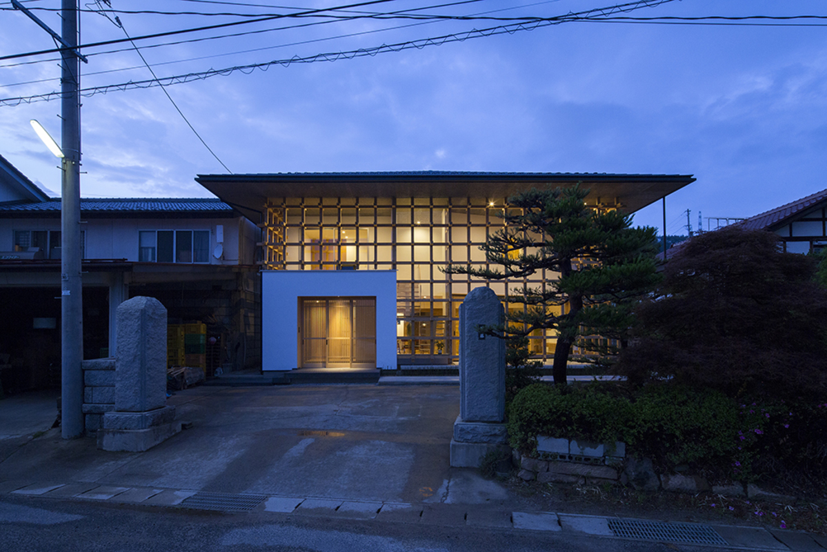 「格子の家」2