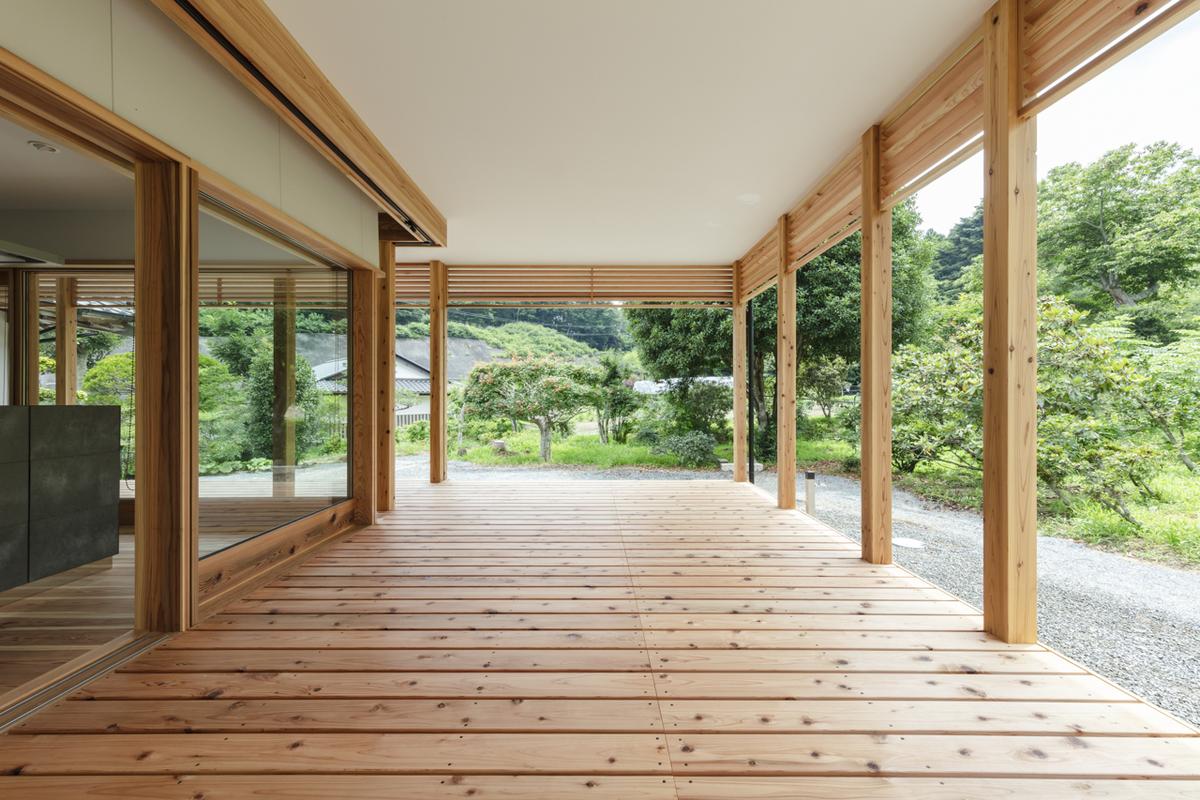 長床の家3